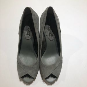Banana Republic Ines gray suede leather insole
